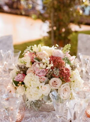 pink-and-ivory-centerpiece-300x409