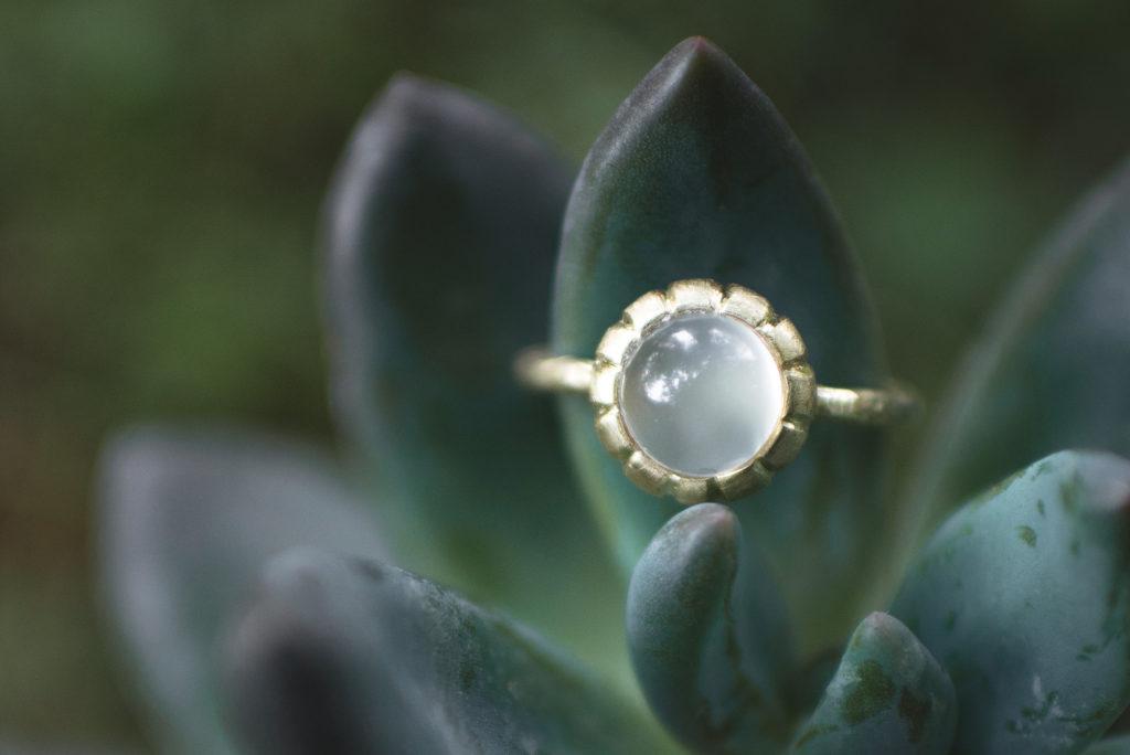 ornella-dangelo-blog-unconventional-collezione-gioielli-pietre-luna-fidanzamento-my-golden-age